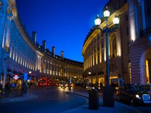 Piccadilly Circus en sen aftenstund